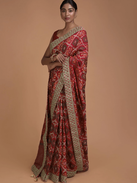 crimson-red-saree-in-silk-with-weaved-checks-and-floral-motifs-all-over-online-kalki-fashion-j019171742y-sg26668_6_