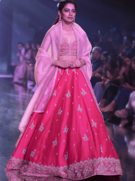 rani-pink-lehenga-choli-with-hand-embroidered-buttis-in-embossed-embroidery-online-kalki-fashion-m001at206y-sg23262_3__1